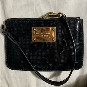 Small black michael kors wallet
